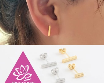 a pair of earing bar geometic minimaliste stude ligne color silver or gold plated