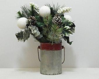 Christmas Flower Arrangement, Christmas Floral, Christmas Floral Arrangement, Christmas Flowers, Flower Arrangement, Table Centerpiece