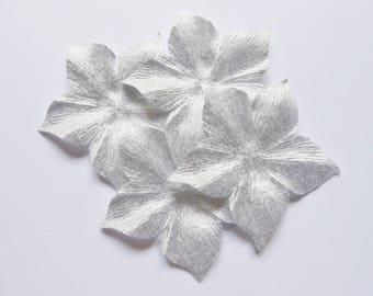 4 BLADE SHAPED 55 MM SILVER SILK FLOWERS