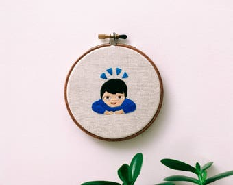 "Embroidery - Bow emoji embroidered 4"" wall hanging"