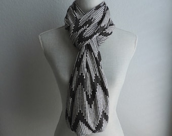 Black & White Story: Dotted Chevron Cotton Jersey/Spandex Infinity Scarf/loop scarf/snood/knit scarf