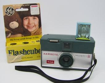 Kodak Hawkeye Instamatic R4 Camera along with 3 Flash Cubes