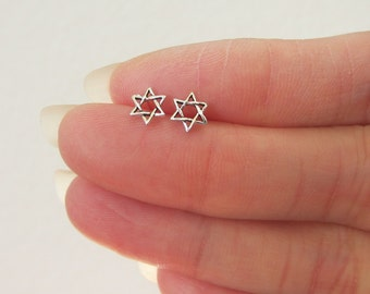 Tiny Sterling Silver Star of David Stud Earrings, tiny Stud Earrings, Everyday Jewelry, Star Earrings