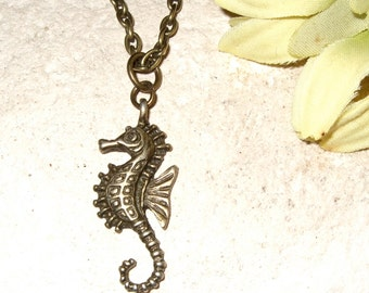 Seahorse Necklace, Small Seahorse Pendant, Bronze Seahorse Charm on Chain, Sea Necklace, Seahorse Jewelry, Simple Necklace, Everyday Jewelry
