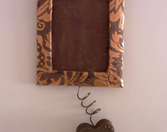 Brown and bronze heart frame