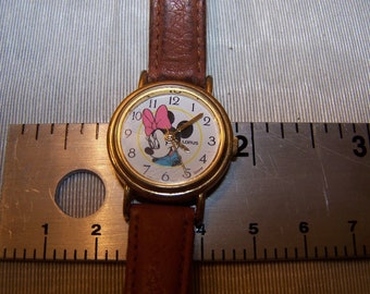 Lorus Disney Minnie Mouse Child's Watch Close -up with Pink Bow