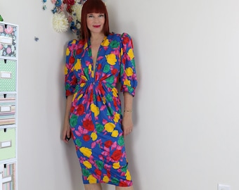 "1980s Vintage Floral Wiggle Dress - Plunging Neckline - Ruched Waist - Sexy Midi Pencil - 3/4 Sleeve - XS 25"" Waist - Party Cocktail Dress"