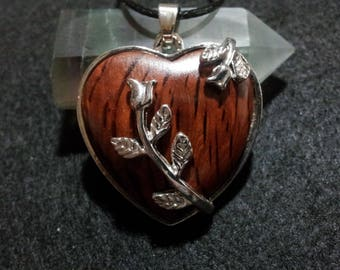 She Oak Heart Necklace, Free Shipping Worldwide, she oak jewelry, reclaimed wood heart jewelry, rustic heart jewelry,  heart flower necklace