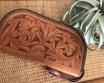 vintage Hand Tooled Leather Clutch . Southwest Style Purse . Bohemian Pouch . Desert Vibes . Gypsy Soul . Desert Vibes