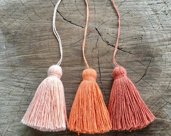 Organic Cotton Tassel set of 6 pieces in one color, Handmade Natural Cotton Yarn Tassels, Craft Supplies