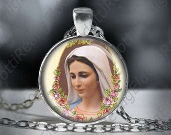 Our Lady of Medjugorje Necklace Virgin Mary Necklace Round Medal Silver Tone Pendant w Chain
