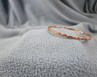 Multiple Wave Pattern Solid Copper Wire Bangle Bracelet with Random Square Hammered Texture