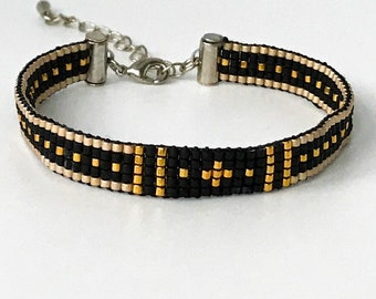 Handwoven bracelet with gold or silver finish