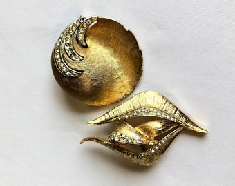 VINTAGE - BROOCHES - SET of 2