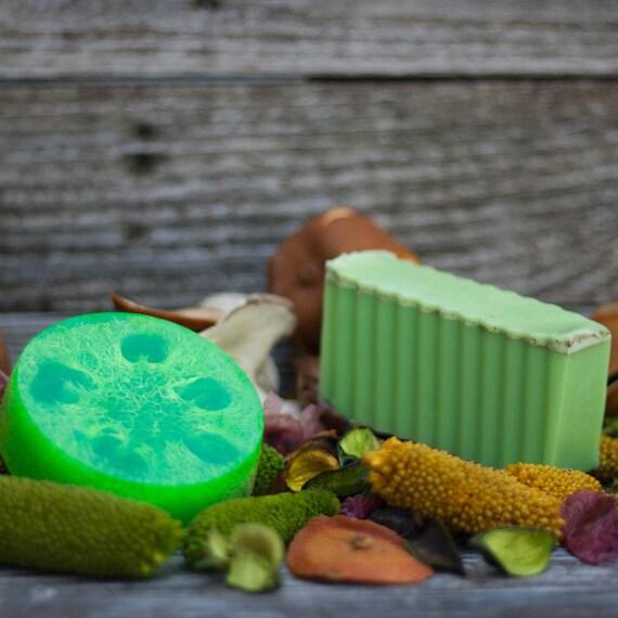 Woodland Citrus (Citrus Blend, Nag Champa, Eucalyptus) Natural Loofah Exfoliating Glycerin Soap
