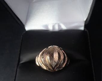 Vintage Esposito 14ktge. dome style ring