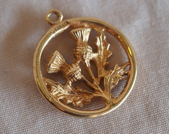 Super sweet and charming vintage 10K yellow gold Scottish thistle pendant