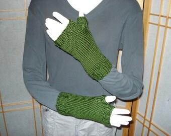 Dark Leaf Green Fingerless Gloves