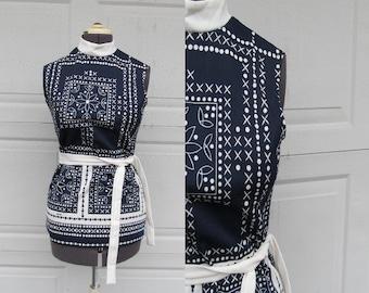 1970s vintage sleeveless top, hankerchief print, mock turtle neck with belt, M/L