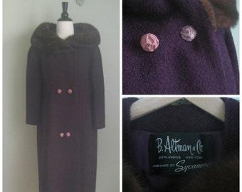 Vintage 1960's Plum Wool Coat// Fur Collar// Retro Winter