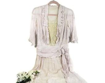 Robe d'été ancien brodé rose pâle