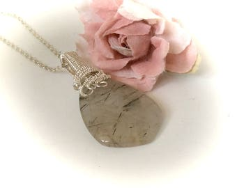Rutilated Quartz Pendant Necklace Crystal Healing Wire Wrapped Gemstone Quartz Necklace