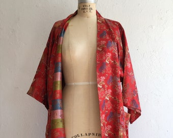 Vibrant roomy red robe * Vintage 1950s 1960s Chinese lounging robe * 50s 60s jacquard souvenir robe