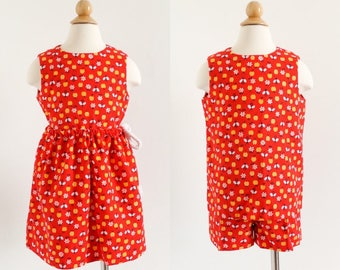 """Vintage 1960s Girls Size 5 Clothing Set, Hand Sewn Tunic Top Shorts and Wrap, Red-Orange Cotton Apples Bees Novelty Print, b27"""" w18-26"""""""