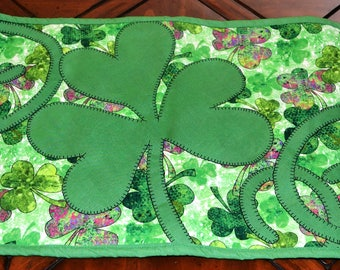 St. Patrick's Day Shamrock Table Runner: Plain Green