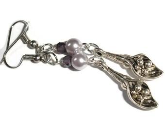 Lily Earrings Floral Earrings Purple Earrings Pearl Flower earrings Calla lily earrings gift for her Spring earrings purple earrings flower