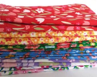 Kids Cloth Napkin Set of 6 // Rainbow Flowers // Lunchbox Napkins // Kids Handkerchief // Party Favor // Stocking Stuffer //Gift for Kids