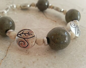 Memorial Bead Bracelet - Custom Keepsake Stoneware Pottery Pet Cremains Jewelry - GREENS-LEAVES Beaded Bracelet