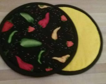 Pepper Potholders, Black and Yellow with peppers Hot Pads, Mats, 8 inch, Round, Pot Holders