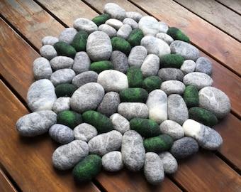 Felt stone rug wool round emerald