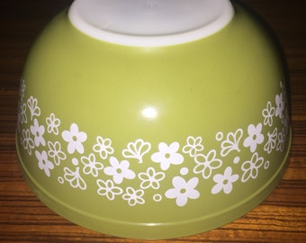 Vintage Pyrex Spring Blossom 403 mixing bowl