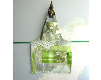 Toddler Apron with pockets - green patchwork