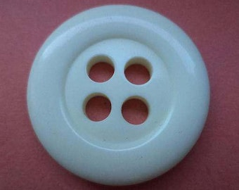 4 Big Buttons 29mm Cream White (5704) White