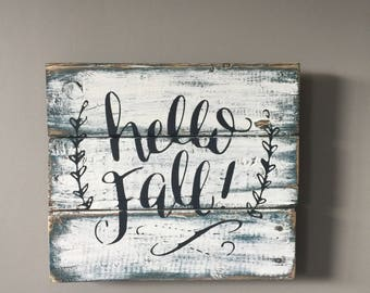 Hello fall sign, fall wood sign, distressed fall sign, rustic fall sign, pallet sign, farmhouse fall sign, fall decor, signs, autumn sign,