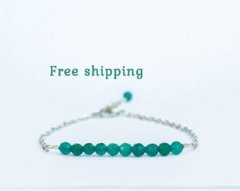 Emerald green bracelet / Green agate bracelet / Emerald colored jewelry / 4mm beads / Adjustable Sterling Silver 925