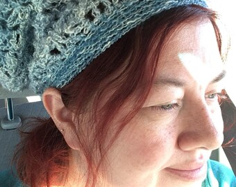 Slouchy hat, in blues