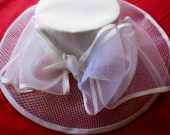 Ceremonial hat, white Cape, hat vintage 70s