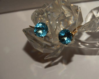 14K Yellow Gold Stamped 10mm Gorgeous Swiss Blue Faceted Topaz Stone Earrings.