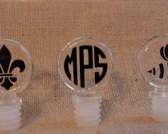 Personalized Glass Wine Stopper, Monogrammed Glass Wine Bottle Stopper, Perfect for Weddings, Hostess, Gifts and Wine Enthusiasts