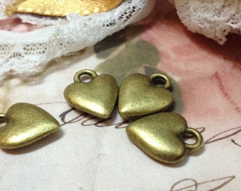 14 mm x 11 mm Antique Bronze Heart Shape Charm Pendant (.tg)