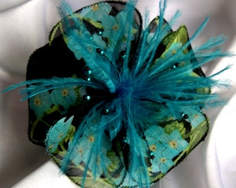 Large barrette flower fabric & feathers and beads, 131