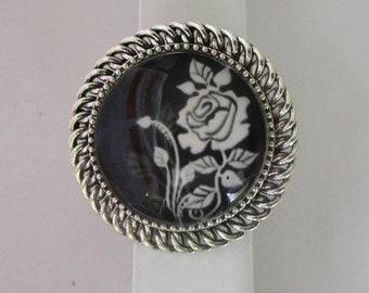 beautiful stylized rose ring