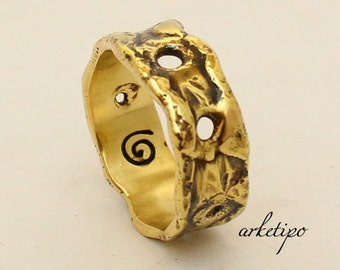 Men's Ring.. Handmade hammered brass Ring / Wedding Band