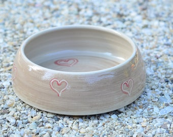 Fressnapf, Ø 16 cm, grey with red hearts
