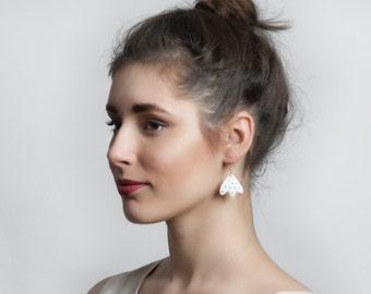 Nature Earring, Ceramic Earrings, Porcelain Jewelry, Ceramic Jewelry, Porcelain Earring, Flower Earring, Tulip Earring, White Dangle Earring