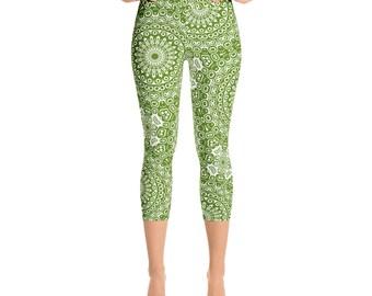 Avocado Capris Leggings High Waist, Cropped Yoga Pants, Green Women's Printed Leggings